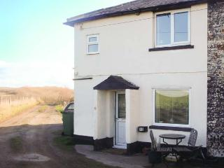 CLIFF TOP COTTAGE traditional, sea and countryside views, garden, beach, pet fri