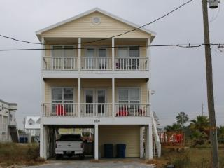 SummerSalt a Private home with a heated pool, Gulf Shores