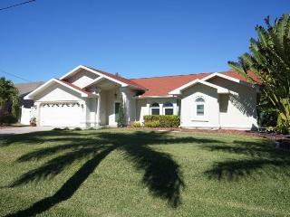 Villa Spraoi Cape Coral 3b/2ba deluxe home
