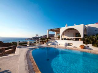 MYKONOS AMAZING VILLA-POOL SEA AND SUNSET VIEWS, Ornos