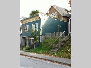 Strathcona, heritage house steps away from downtown Stanley P, Ilha de Vancouver