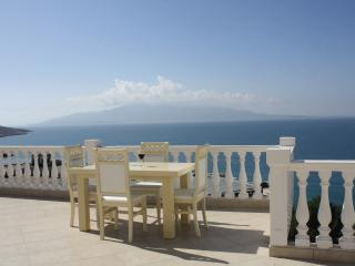 See front penthouse -152, Sarande