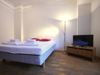 Cosy Studio Apartment on Town Hall Square, Tallinn