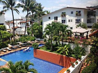 Condo Shannon 2 1/2 block to the beach, Puerto Vallarta