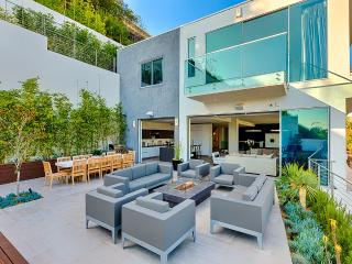 Bella Vista, Sleeps 8, Los Angeles