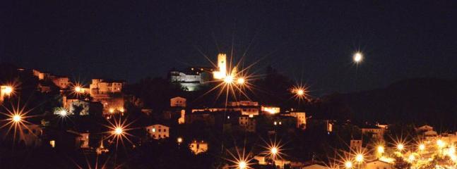 Corsagna di notte / Corsagna by night