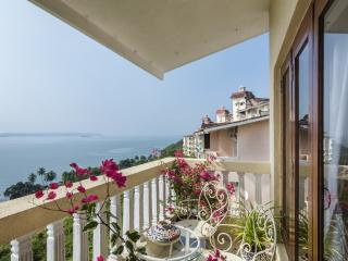 SaffronStays Cabo de Goa - Luxury duplex apartment near Panjim, Dona Paula