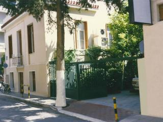 Villa in center Athens with private garden