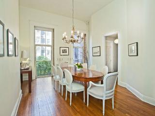 LUXURIOUS & IMMACULATELY STYLED 3 BEDROOM, Nueva York
