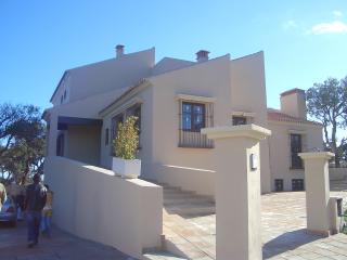 Excelente villa en inmejorable situación, San Roque