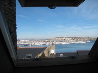 Studio vue mer ,proche commodités et vieille ville