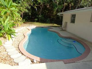 Lovely, Large, Private 3/2 Home & Heated Pool, Gul, Englewood