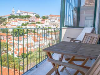 Castelo Top Floor Apartment