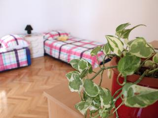 Small and cozy apartment for 2!, Sibenik