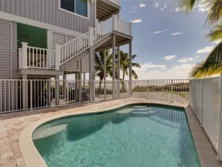 Warm Sands,  4 Bedrooms, Gulf Front, Heated Pool, Sleeps 8, Fort Myers Beach