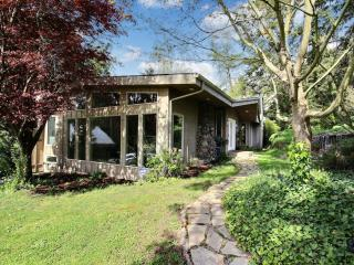 Tranquil 3BR Portland House Steps from River, Multiple Private Patios & Plenty of Lush Outdoor Space - Walk to the Willamette River Beach & Boat Ramp! Close to Countless Downtown Attractions!