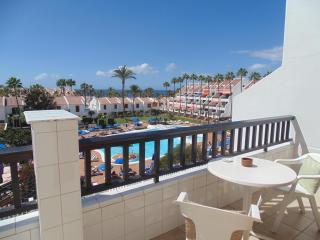 Lovely Apartment in Las Americas with Wifi &Pool, Playa de las Américas