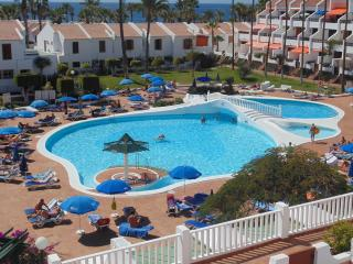 Lovely Apartment in Las Americas with Wifi &Pool, Playa de las Americas
