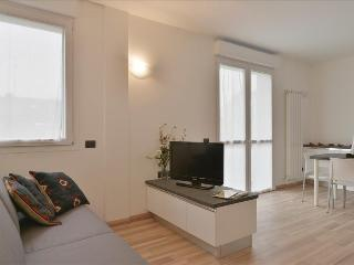 Comfortable duplex apt with balcony