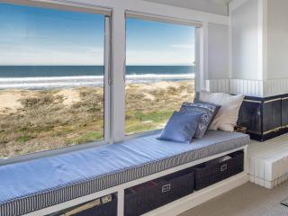 Oceanfront Retreat w/Private Hot Tub, Monterey