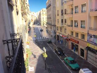 L11 - Great Large Flat, 4 Beds, 2 Baths by the Sea, Alicante