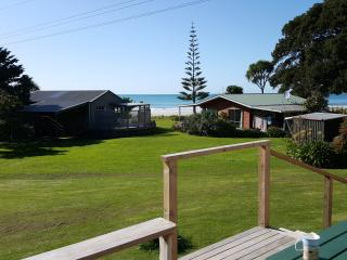 A Roomy Lodge., Tolaga Bay