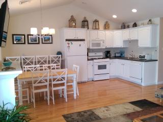 Luxury 4 Bedroom Beach Block Condominium, Wildwood