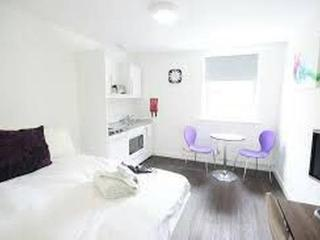 Luton: 5 Great Value, Modern Warm & Bright Studios