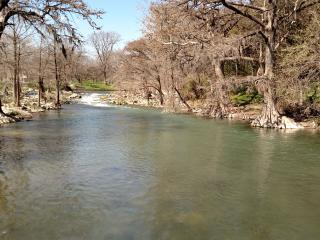 Guadalupe River & Gruene 5 Minutes away! Come Stay