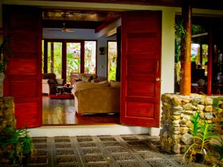 Exclusive Luxury Absolute Beachfront Paradise-at de Vos The Private Residence, Sigatoka