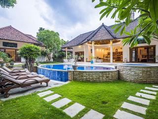 3 Bedrooms Villa by the Beach, Seminyak