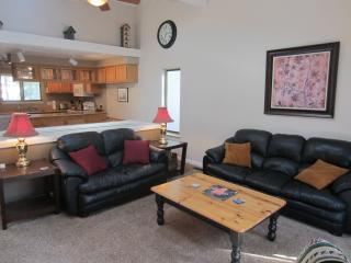 Remodeled Family Fantastic Townhome by Lake/Slopes, Incline Village