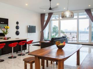 Exclusive Secret Penthouse on Central Riverside - 3 beds & views over Tonle Sap