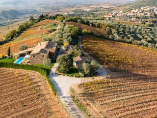 6 bedroom Villa in Montalcino, Val d orcia, Tuscany, Italy : ref 2383123