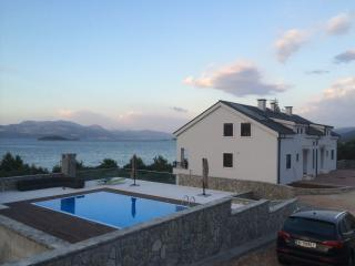 Apartments Kula - Comfort One Bedroom Apartment with Balcony and Sea View-B3, Drace