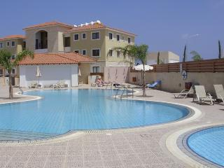 Poppy Apartment 3 bed 2 bathroom - Kapparis Resort, Protaras