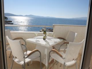Luxury Apartment by the Sea -100, Sarandë