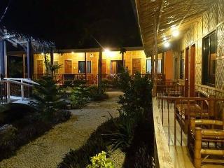 Amazing Room for 4 in Cebu!, Oslob