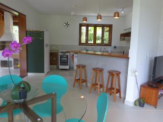 Casa nova a 140 metros do mar- Itamambuca, ar cond, Ubatuba