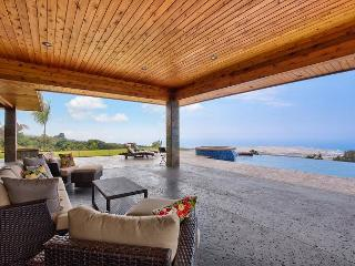 Gated, Private, Infinity Pool with Stunning Unobstructed Ocean Views!, Kailua-Kona
