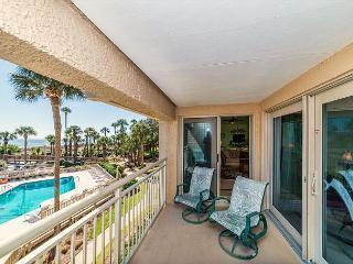 Captains Walk 436, Oceanfront, Deluxe 2 Bedroom, Large Pool, Hilton Head