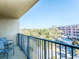 Xanadu 20-A, 3 Bedroom, Large Pool, Tennis, Walk to Beach, Sleeps 8, Hilton Head