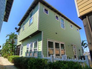 Brand new 4 bedroom 2.5 bath home at Sunrise Cottages!, Port Aransas