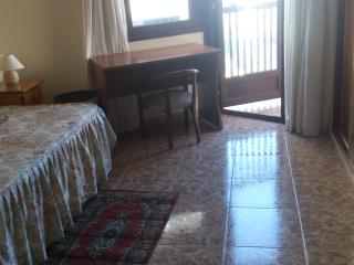 Habitación con baño individual-en piso compartido, Benidorm