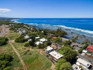 "Hale La'i - 4 BD/3BA voted ""Best house in Puako"""