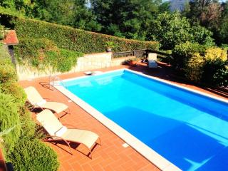 Villa with pool on the hills near 5 terre area, Podenzana