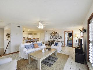 3BR, 3BA Gulf-View Beach House – Walk to the Beach from a Great Location!
