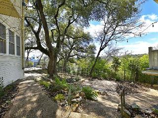 Sunny 2BR Guesthouse on Historic Grounds w/ Gazebo & BBQ – Near Park & UT