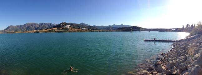 Close by is the stunning lake of Zahara. There you will find a restaurant. Canoes can be hired there