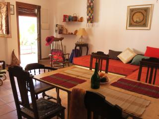 2-Bedroom Albaicin Patio Flat WIFI Free Parking, Granada